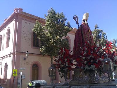La imagen de San Indalecio recorrió ayer las calles de Almería