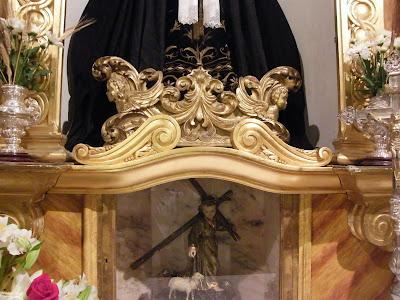 Nueva moldura para el retablo de la Virgen de los Dolores