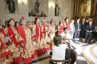 El coro de la Hermandad del Rocío le canta a la Virgen del Mar