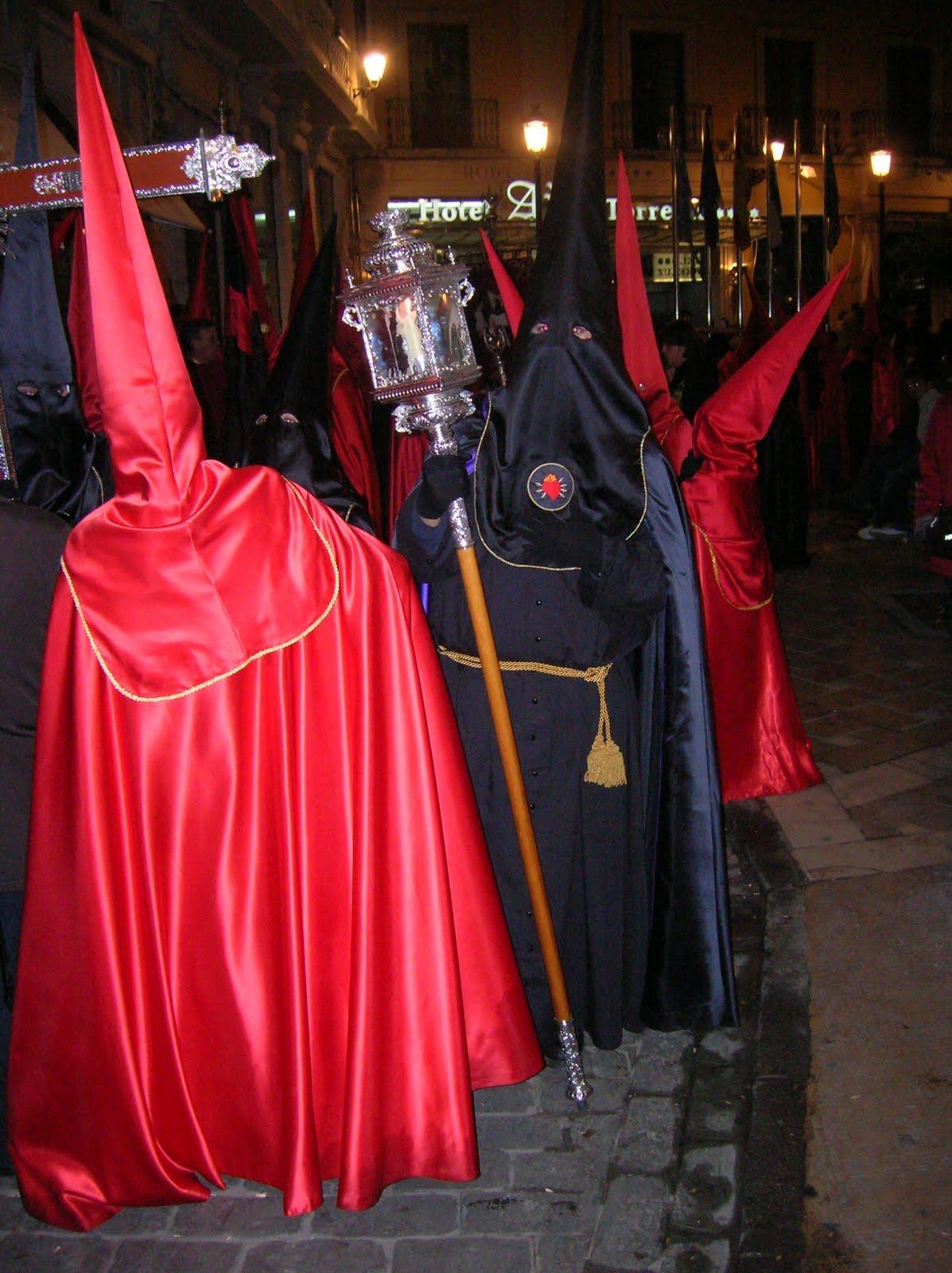 La Soledad lleva a cabildo la unificación de las túnicas