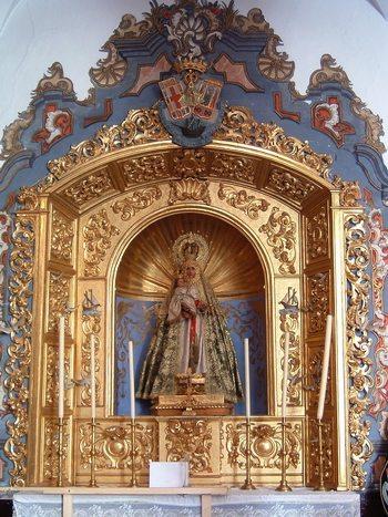 La Soledad acompaña al Rocío en su visita a la Virgen del Mar de Sevilla