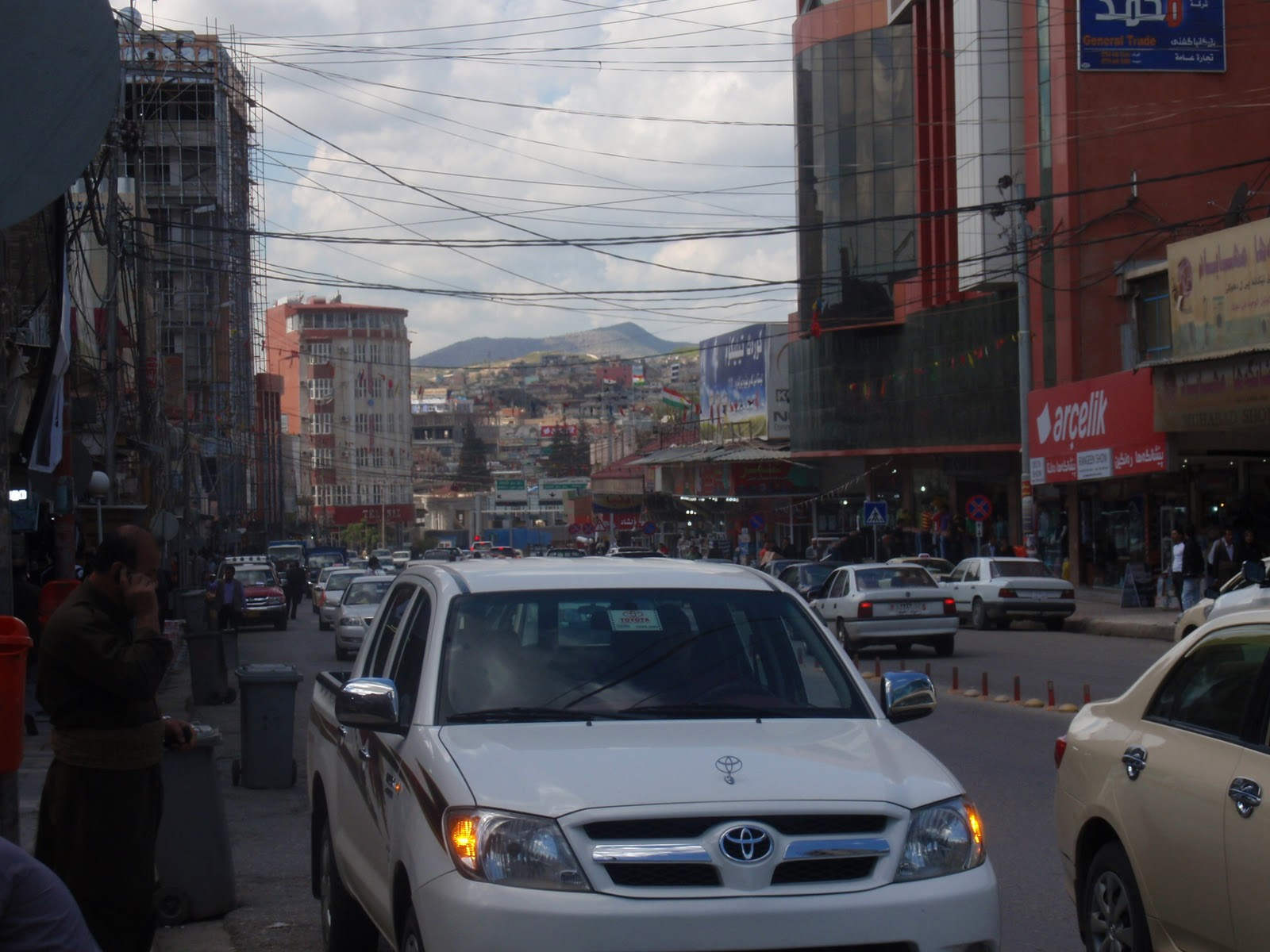 Afternoon traffic in the Duhok city