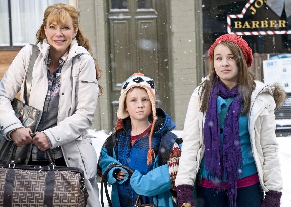 The Town That Christmas Forgot - Hallmark Channel | Wonderful Movie