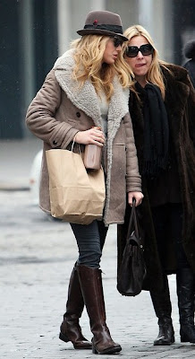 Blake Lively Coat on Fashion Diary  Blake Lively Burberry Coat