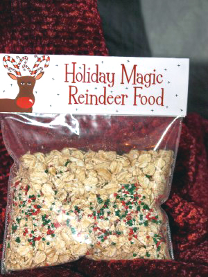 Free reindeer food bag toppers from pink peppermint blogger
