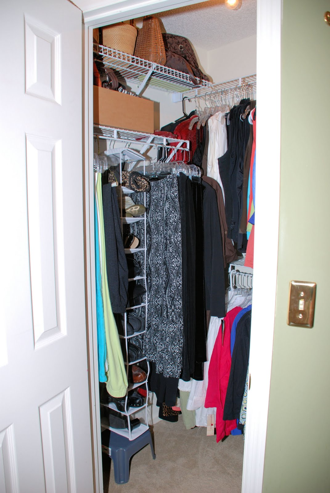 southern inspirations messy closet part 2. Black Bedroom Furniture Sets. Home Design Ideas