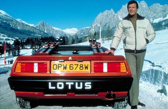 James_Bond_Lotus.jpg