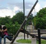 Juegos infantiles detras centro de salud de Tenabo. 2-octubre-2010.