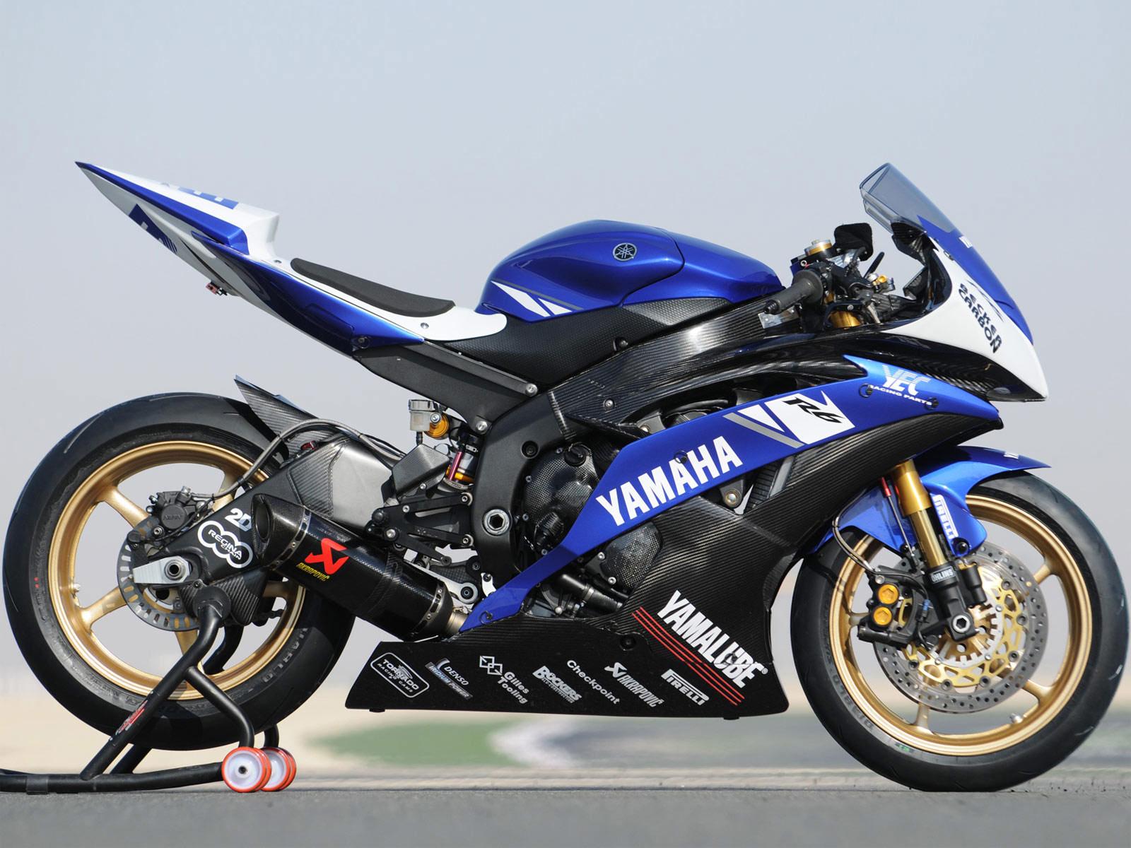Yamaha R1 1600 x 1200 · 317 kB · jpeg