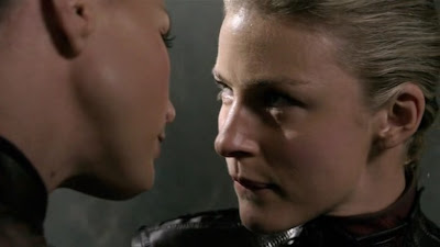 Charisma Carpenter and Tabrett Bethell, Lesbian Kiss