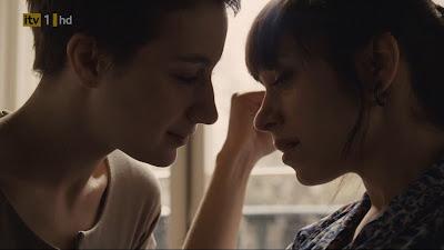 Sleep with Me, Lesbian Kiss