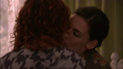 Rumer Willis and; Jessica Lowndes, Lesbian Kiss