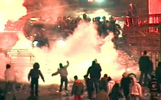 http://2.bp.blogspot.com/_U54NM9QE5VY/SqvR3VYDZsI/AAAAAAAAH-Y/psfS1vxpJWg/s400/sweden+riots+g%C3%B6tburg.jpg