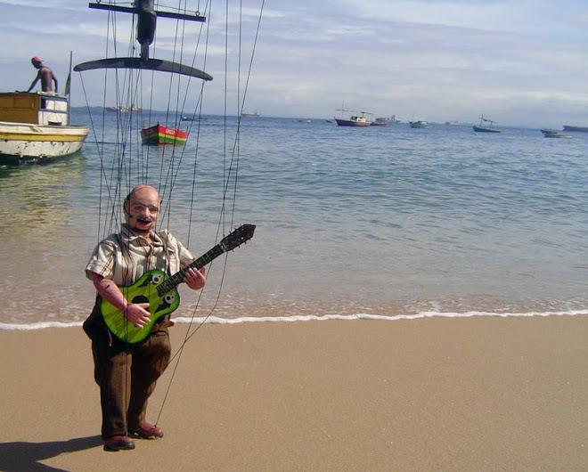 Seu Geraldo na Praia; Farol da Barra em Salvador, Ba.