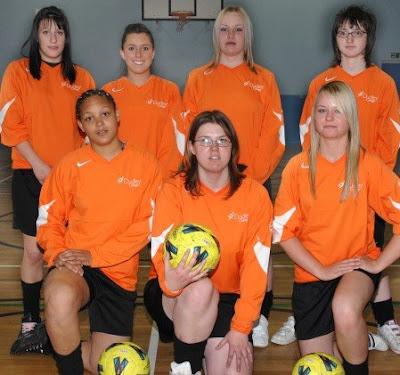 Dudley College Football girls Wallpaper