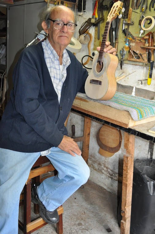 O LUTHIER