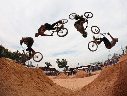How to Backflip a BMX: 10 Steps (with Pictures) - wikiHow