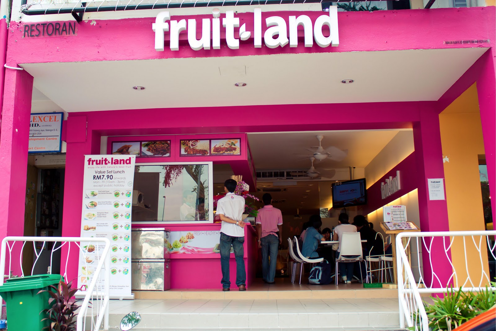 fruitland girls Fruitland park's best 100% free online dating site meet loads of available single women in fruitland park with mingle2's fruitland park dating services find a girlfriend or lover in fruitland park, or just have fun flirting online with fruitland park single girls.