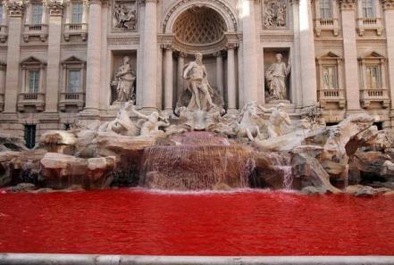 Fontana de Trevi Fontana-trevi-rojo