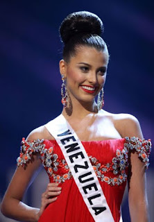 Miss Venezuela Stefanía Fernández is Miss Universe 2009