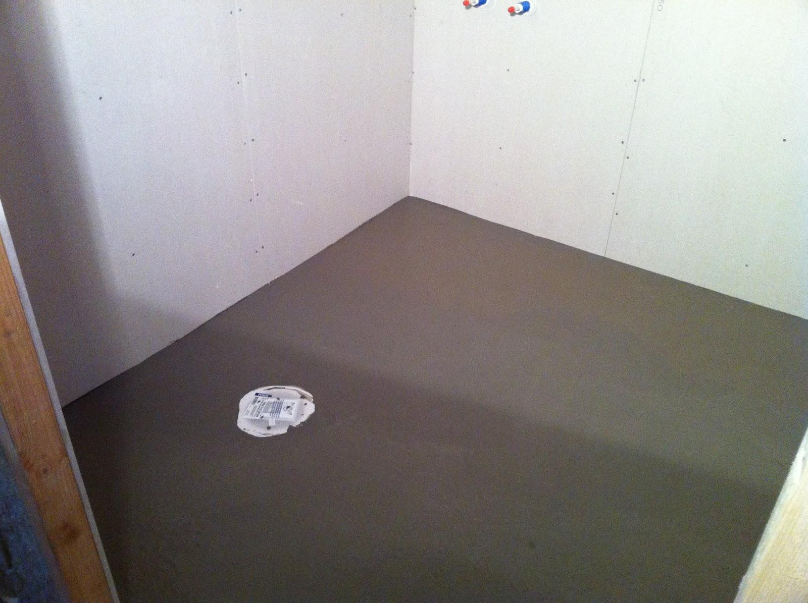 Backelin renoverar & bygger om.: 2011-01-02 - 2011-01-09 : reparationstapet : Inredning