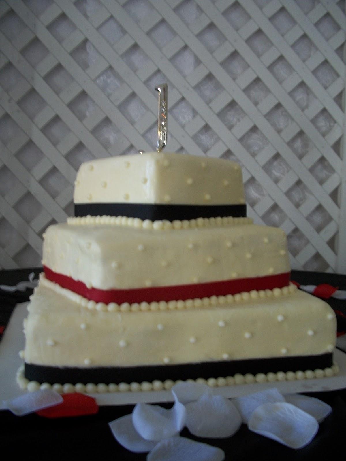 Lauren s Cakes Three Tier fset Square Wedding Cake