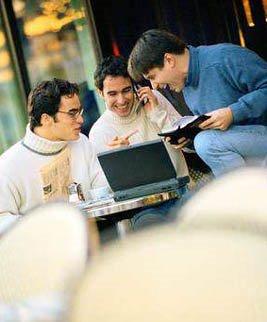 [gente-joven-participando-web-2-0-argentinamedialab.jpg]