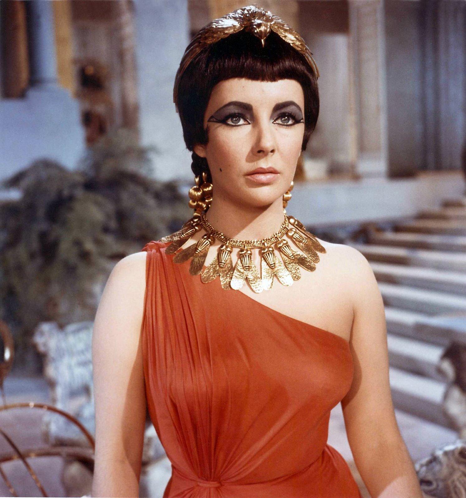 http://2.bp.blogspot.com/_UFdYhjXLeRE/TKAD4dMN5vI/AAAAAAAAAvQ/IgNIxBliHLE/s1600/Liz-Taylor+Cleopatra-734407.jpg