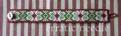 pulseira; bordado; bracelet; embroidery; handmade; cross stitch