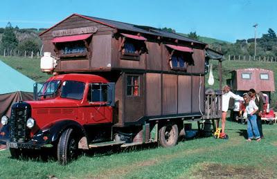 Casa Hippies : Els hippies cultura hippie alguns trets caracterÍstics