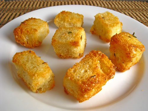 Roasted Garlic Croutons on Closet Cooking