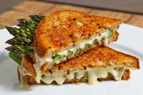 [Image: Asparagus+Grilled+Cheese+Sandwich+500.jpg]