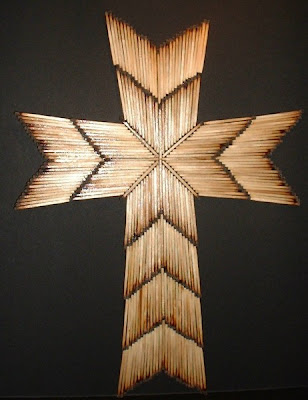 Craft Ideas for Making Crosses http://shewhoseeks.blogspot.com/2009/06/christian-crafts-burnt-matchstick-cross.html