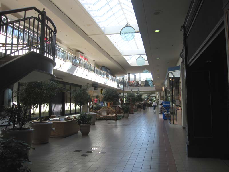 Located on the first floor of the Savannah Mall. To enter into the store customers must enter from the first floor parking locate closest to the Southwest Chatham Library. Burlington Coat Factory 7/10(3).