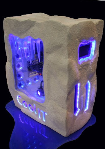 Heibe's awesome CoolIT PC Mod, receives thumbs up from the Eskimos
