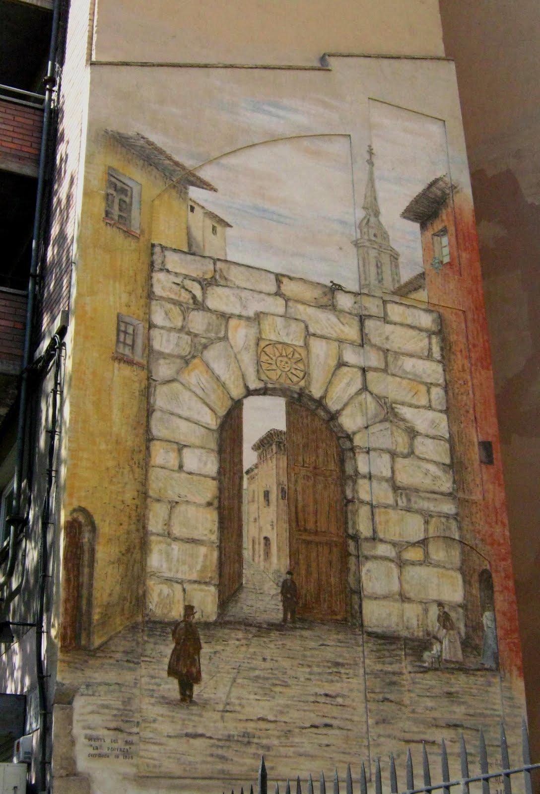 Zaragoza milenaria desde la distancia puerta del sol for Puerta del sol 4