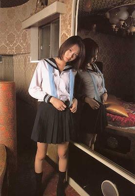 Emi Hasegawa : Janpanese School Girl