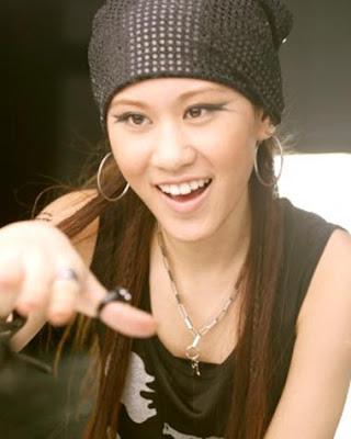 Pretty Taiwanese Singer : Renee Chan