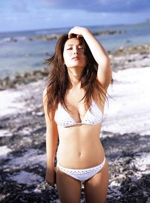Haruna Yabuki : Hot Sexy Bikini Model