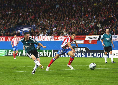 Simao of Atletico Madrid celabrates scoring the equalizer against Liverpool