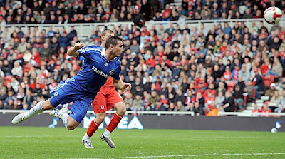 Chelsea midfielder Frank Lampard latches onto a cross and heads in his side's fourth goal of the game. Chelsea beat Middlesbrough 5-0.