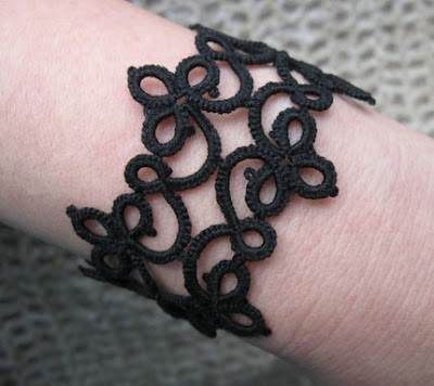 tatted bracelet, Tatted lace