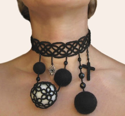 tatted choker, tatted jewelry, goth jewelry, tatting jewelry