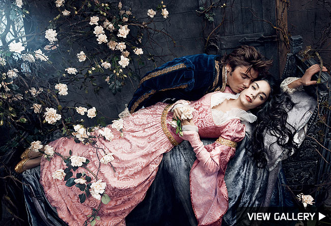 zac efron and vanessa hudgens kissing pictures. Annie Leibovitz and James