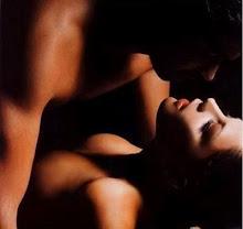 Hacer el amor desnudos... entrega de amor....