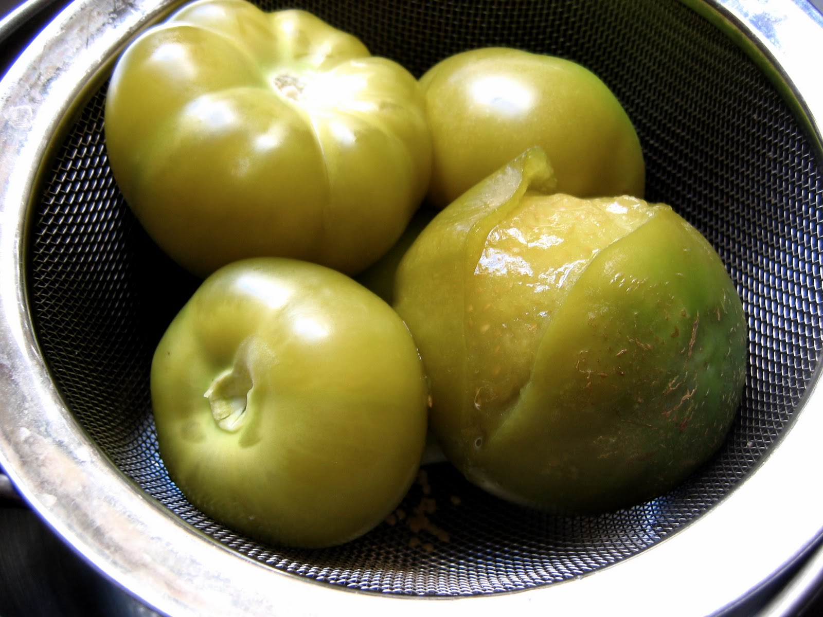 how to know when tomatillos are ripe