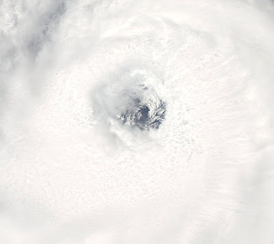 >Hurricane Bill becomes dangerously powerful