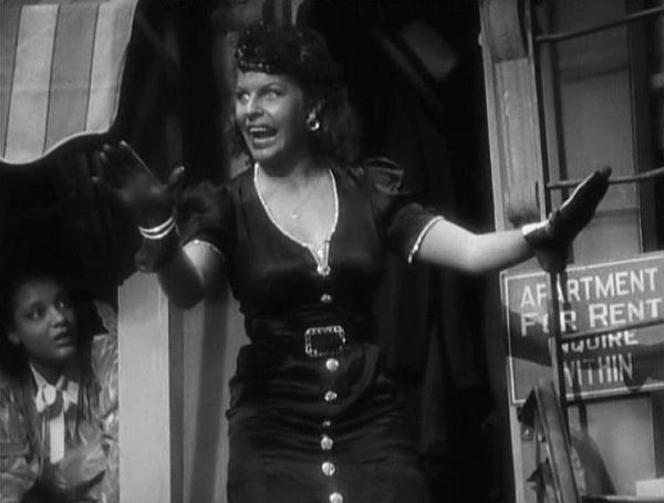 Martha Raye in blackface in Artists and Models