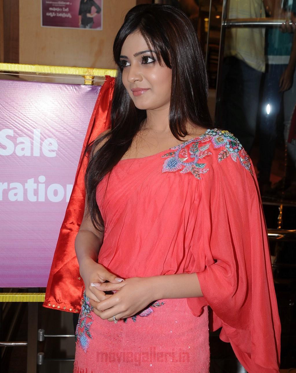 Indian Actor/Actress Profiles & Desi Indian Aunties & Girls Pics