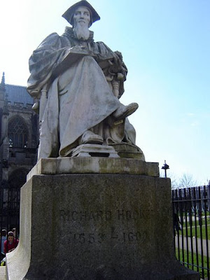 Richard Hooker's statue outside Exeter Cathedral